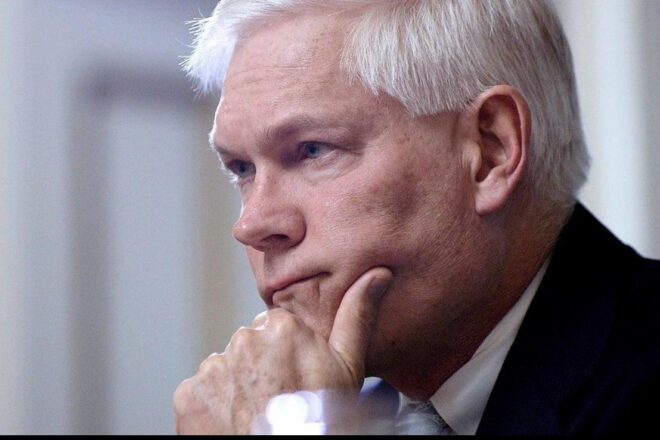 Sessions Calls for Swann to Return PPP Loan